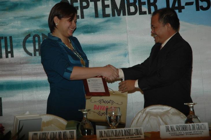 Mayor Sara Duterte-Carpio together with Atty. Alexis Albao, MD